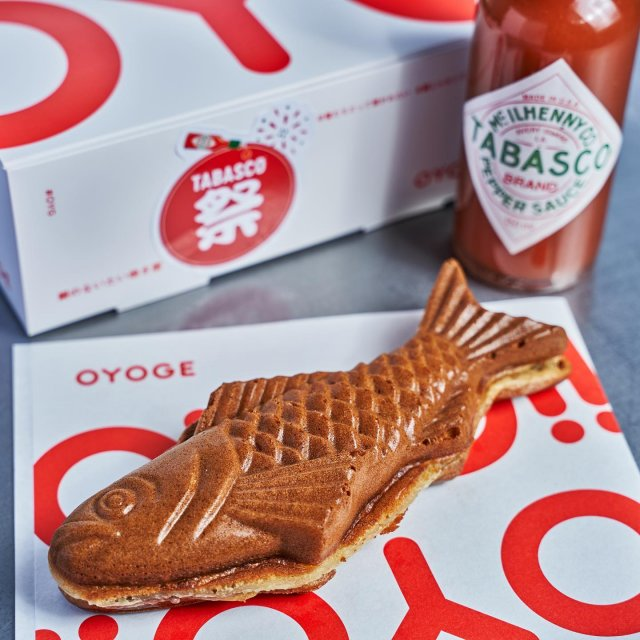 【TABASCO®祭り 店舗紹介】  たい焼きにTABASCO®ソース!?実は、絶妙に合う。  クリームチーズとあんこが名物のたい焼き屋OYOGE(@oyoge.taiyaki)のたい焼きに、 ピリッと辛いTABASCO®ソースが合わさり生まれた、ほっぺたが落ちるように美味しい限定たい焼き!ソフトクリームは、北海道メロンと TABASCO®ソースのピリ辛特製ソースをトッピングして、甘さと辛さがやみつきに。  また、先着の10客様にTABASCO®祭りオリジナルトートバッグもプレゼント!是非お見逃しなく。  【対象メニュー】イワシのたい焼き+TABASCO®ソースミニボトルセット、ソフトクリーム メロン x TABASCO®ソース(期間限定メニュー) 【店舗住所】東京都港区六本木7-13-10 TOMASビル1階102号室 【営業時間】月曜〜日曜 10:30〜23:00  #タバスコ祭り #タバスコ #東京グルメ #グルメ紹介 #OYOGE #たい焼き #六本木グルメ